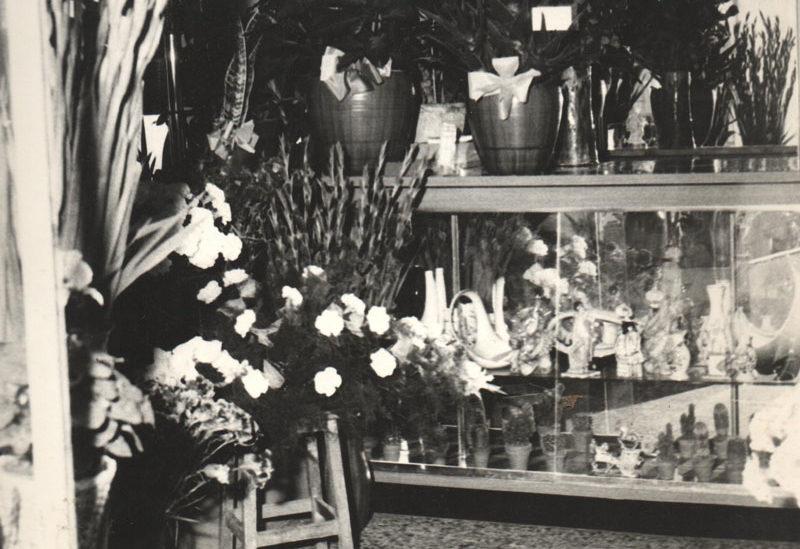 fiorista-Tonino-Milano-negozio-alle-origini,-nel-lontano-1962